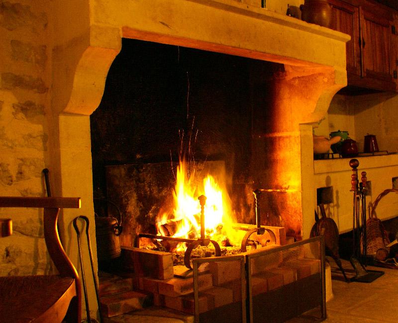 la sarl landes bois est sp cialis dans la coupe du bois de chauffage saint pierre du mont. Black Bedroom Furniture Sets. Home Design Ideas
